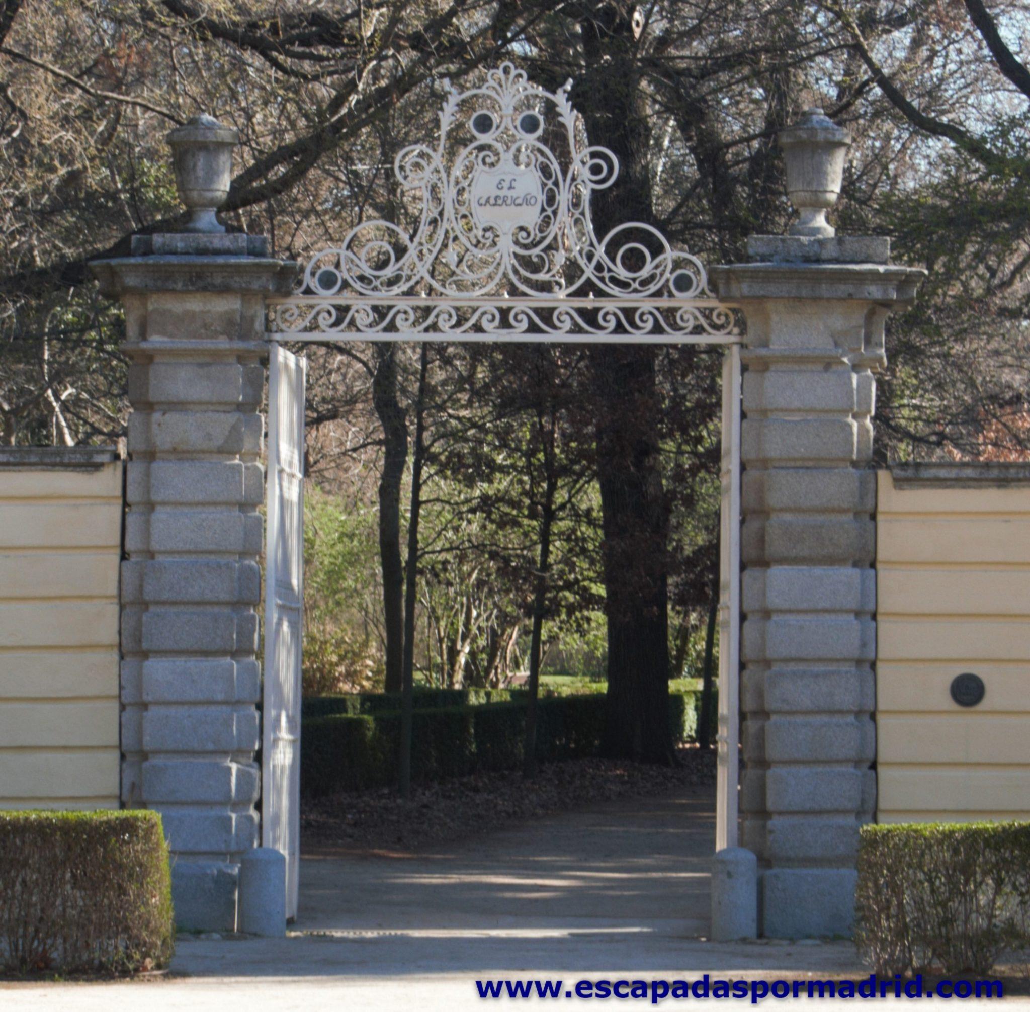 foto de entrada al Parque del Capricho