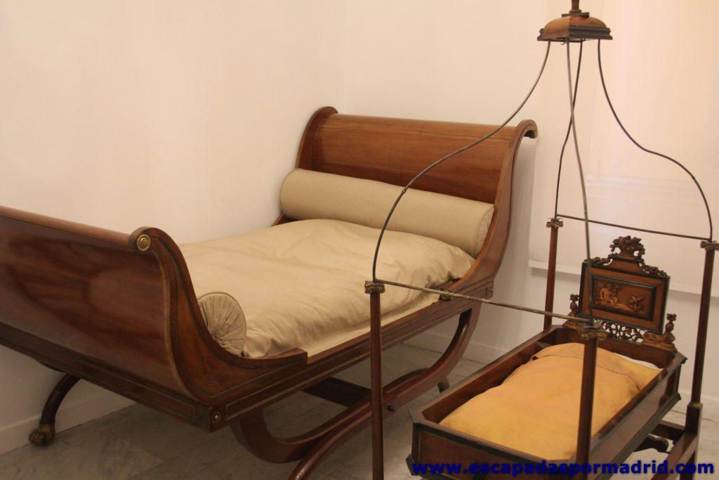 Dormitorio fernandino del siglo XIX