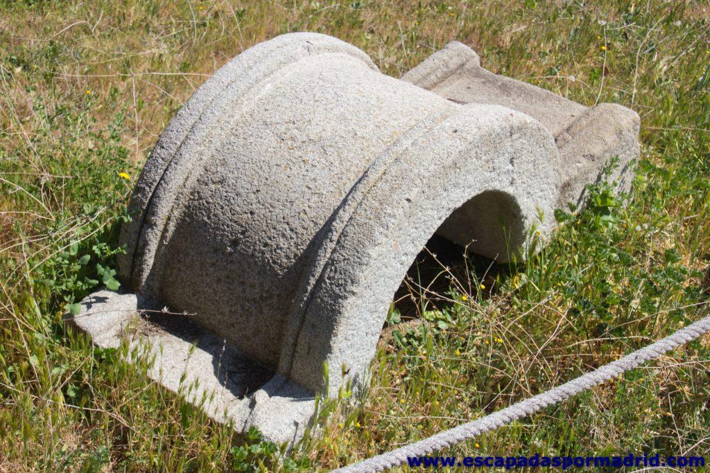 foto del Brocal de uno de los pozo del Castillo de la Alameda