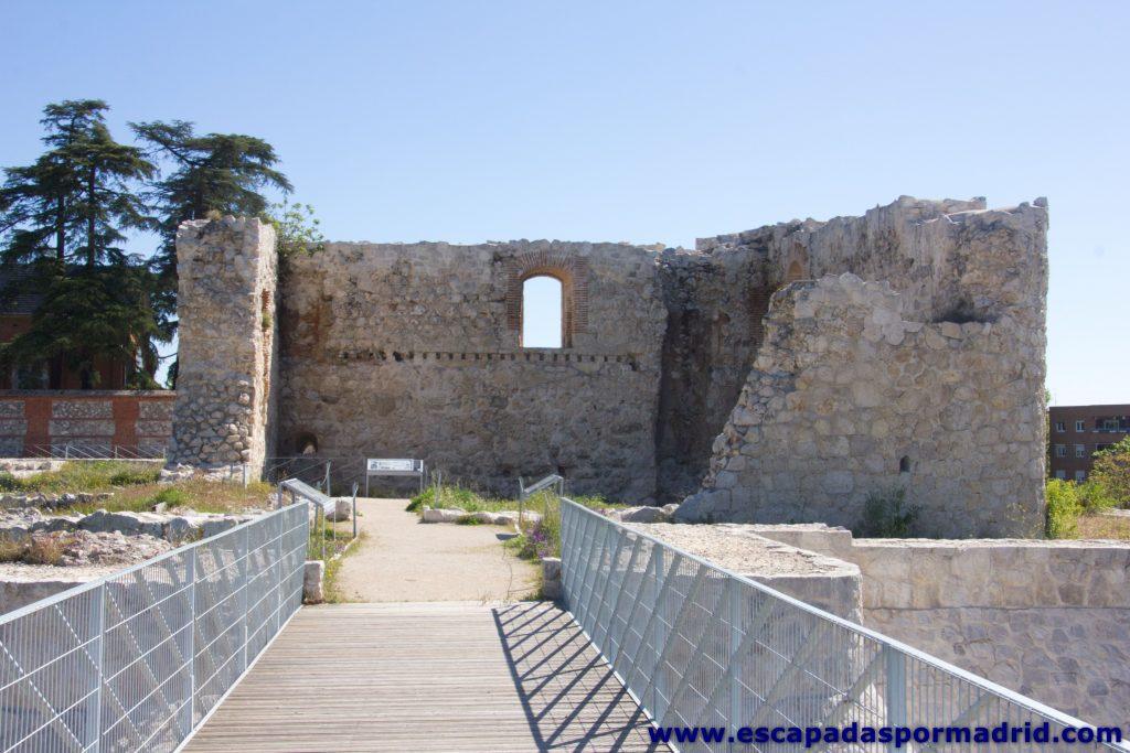 foto del Castillo visto desde el puente sobre el Foso