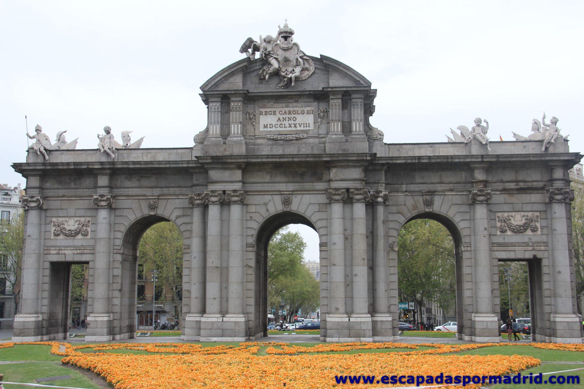 foto del diseño exterior de la Puerta de Alcalá
