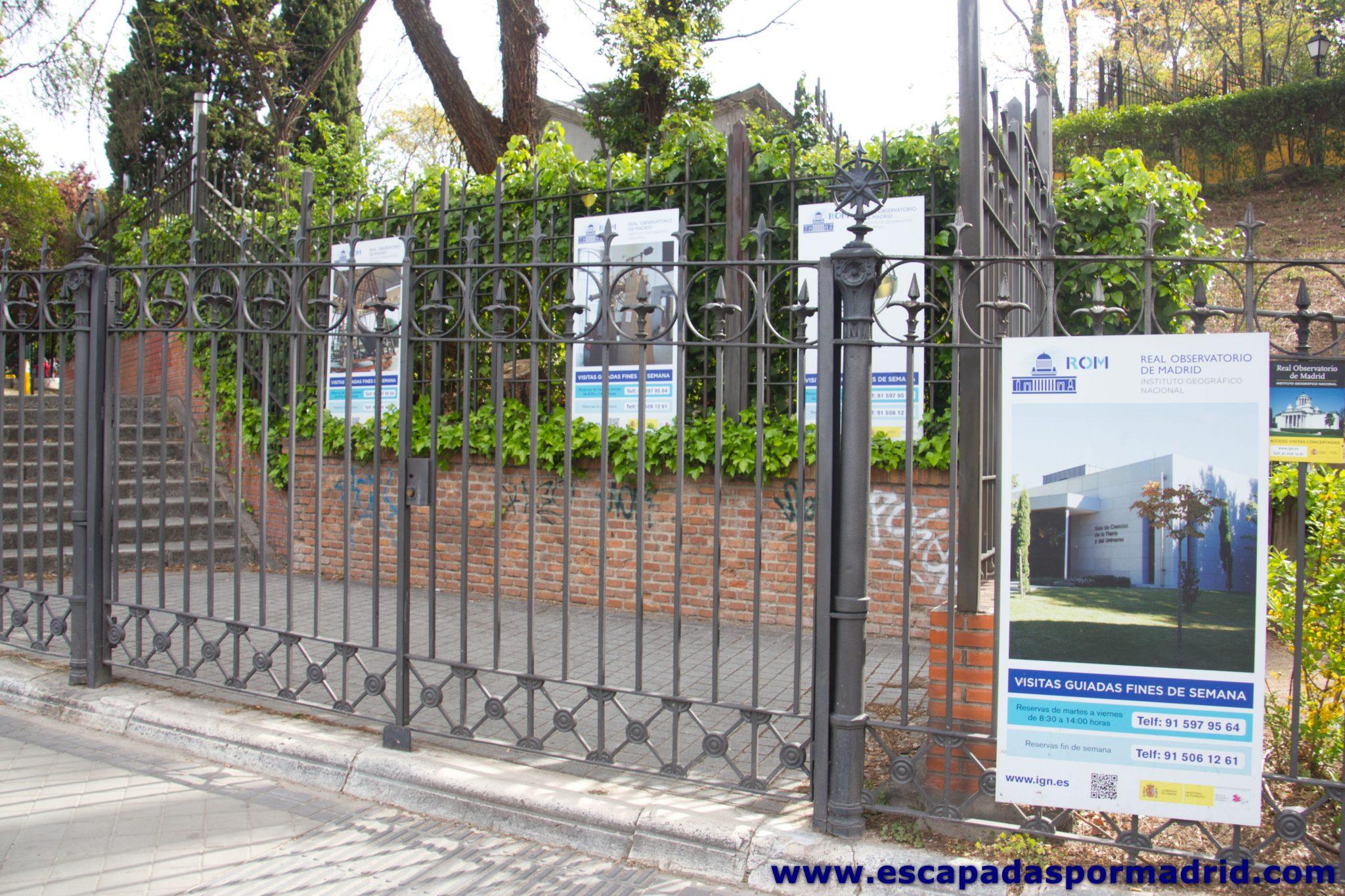 foto de la entrada al Real Observatorio de Madrid
