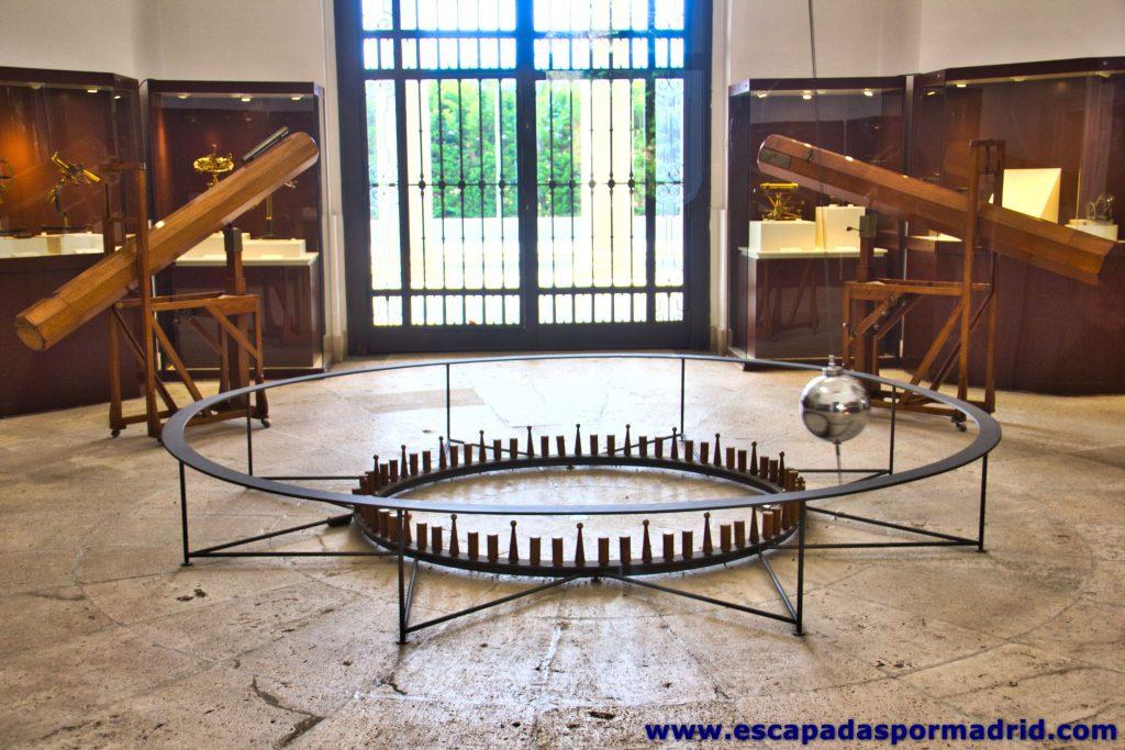 foto de Péndulo de Foucault y Telescopios Newtonianos