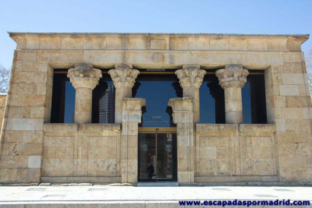 foto de la fachada del Templo de Debod