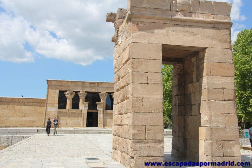 foto de Pilonos y Templo de Debod
