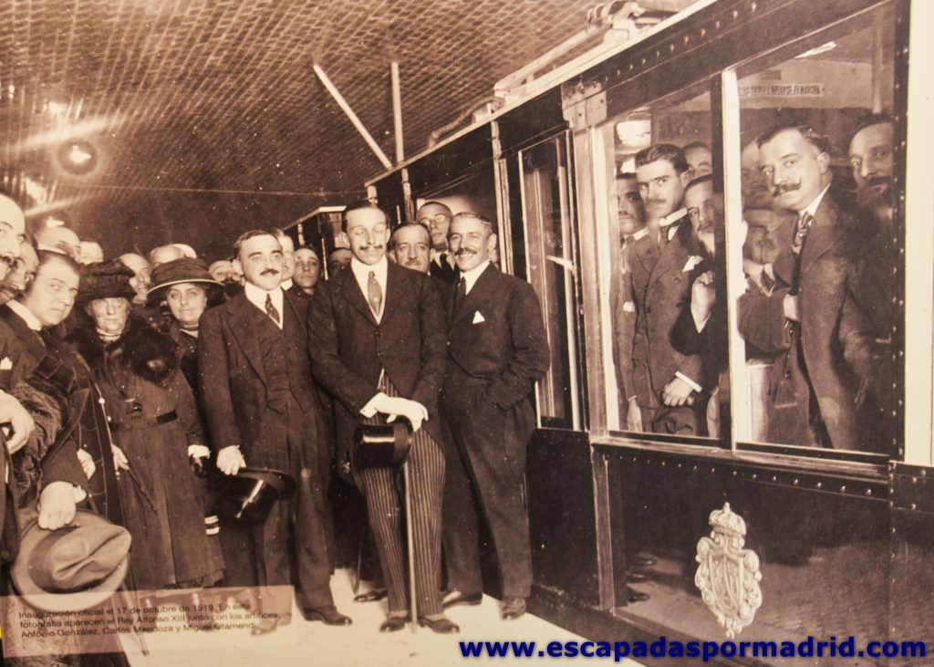 foto de inauguración de primera línea de Metro de Madrid