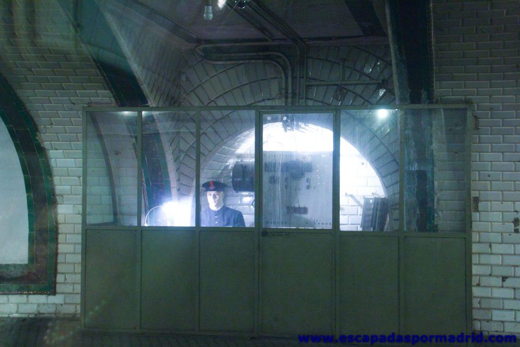 foto del Jefe de Estación del Metro de Madrid