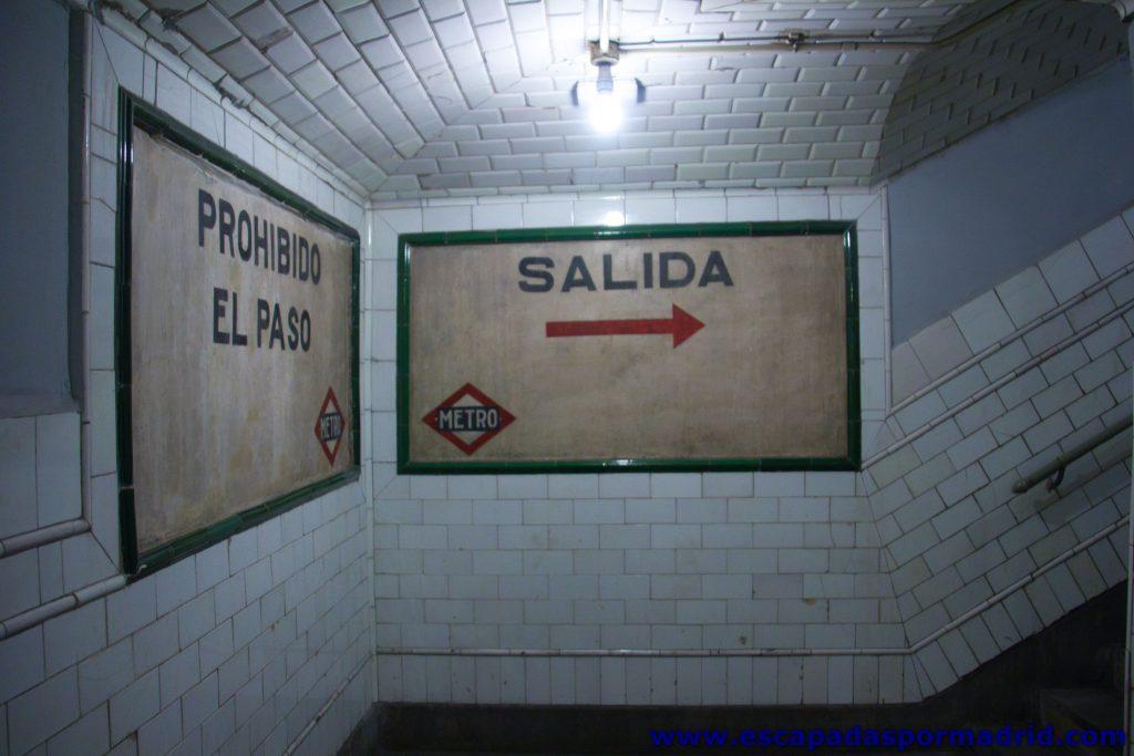 foto de túnel de salida del andén