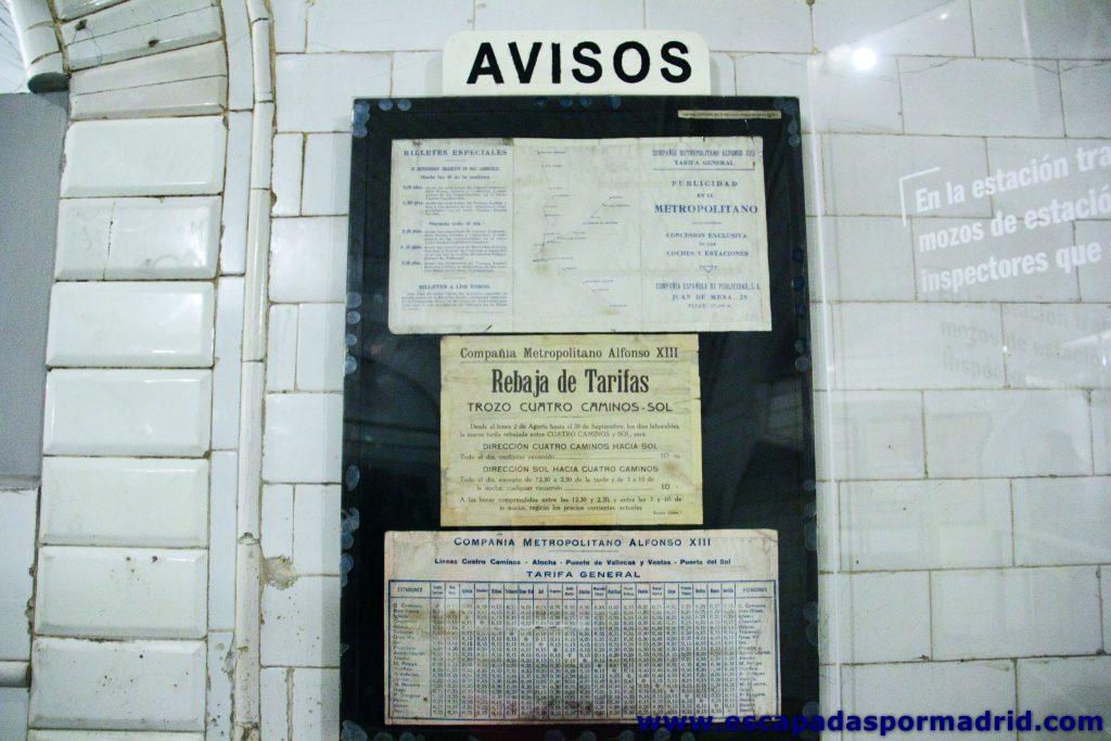 foto de tablón de anuncios del metro