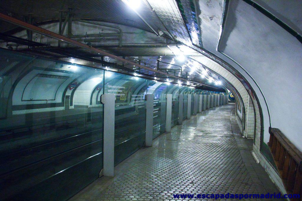 foto del interior de la estación de Chamberí