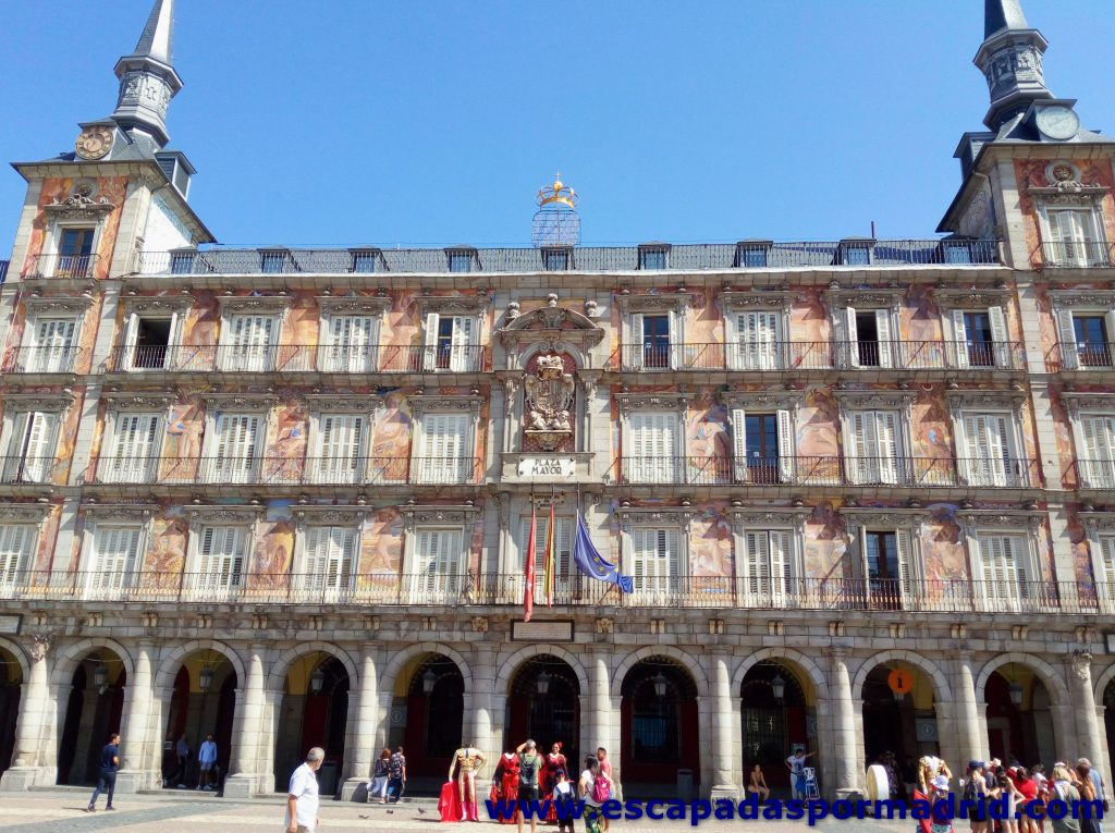 foto de la Casa de la Panadería de la Plaza Mayor de Madrid
