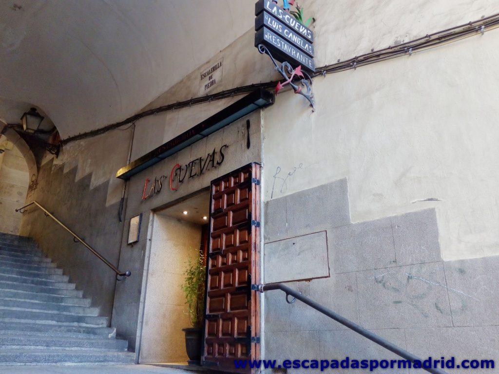 foto de las Cuevas de Luis Candelas de la Plaza Mayor de Madrid