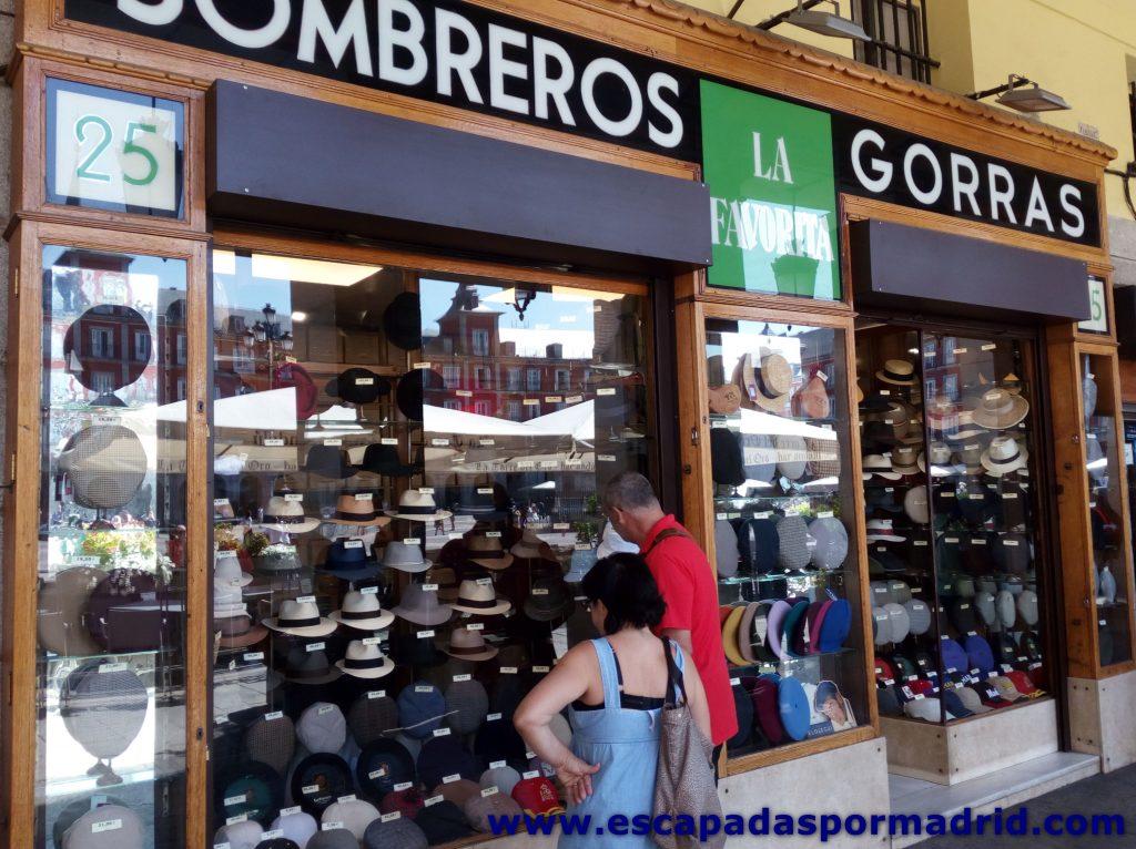 foto de Sombreros y Gorras la Favorita en la Plaza Mayor de Madrid