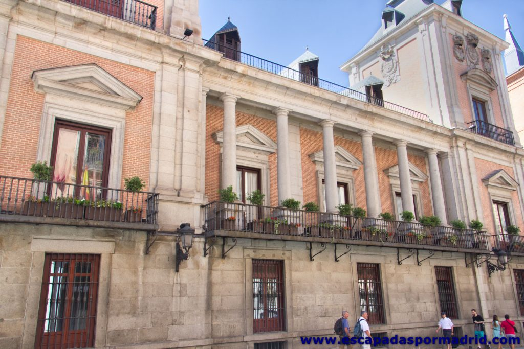 foto de la Fachada de la Casa de la Villa que da a la Calle Mayor