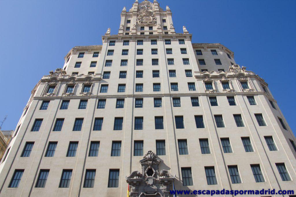 fotografía frontal del Edificio Telefónica