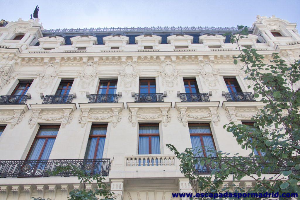foto de la Fachada del Edificio Metrópolis que da a la Calle Gran Vía