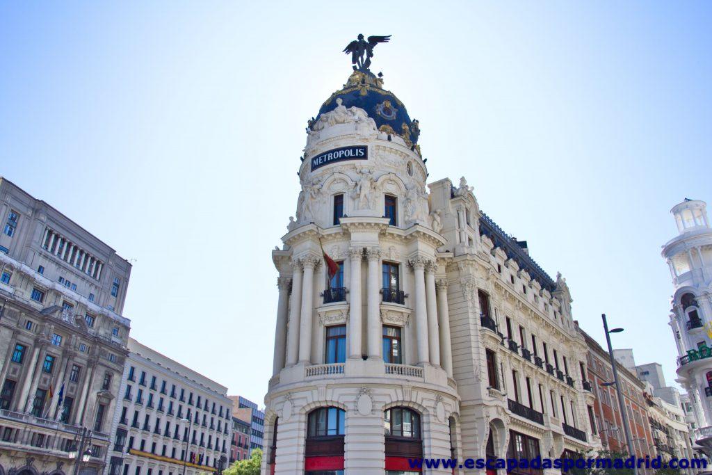 foto del Edificio Metrópolis visto de frente