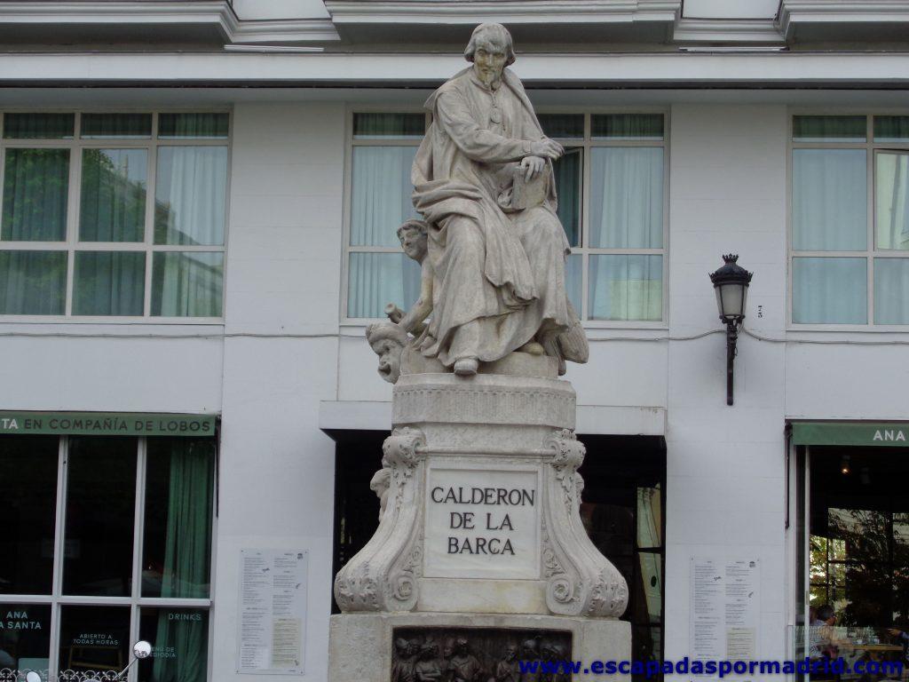 foto de la Estatua de Calderón de la Barca
