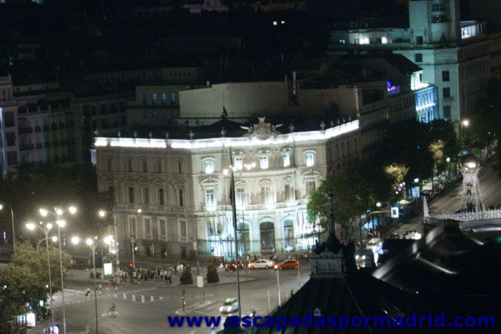 foto del Palacio de Linares por la noche