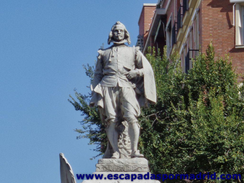 foto de la Estatua de Francisco de Quevedo