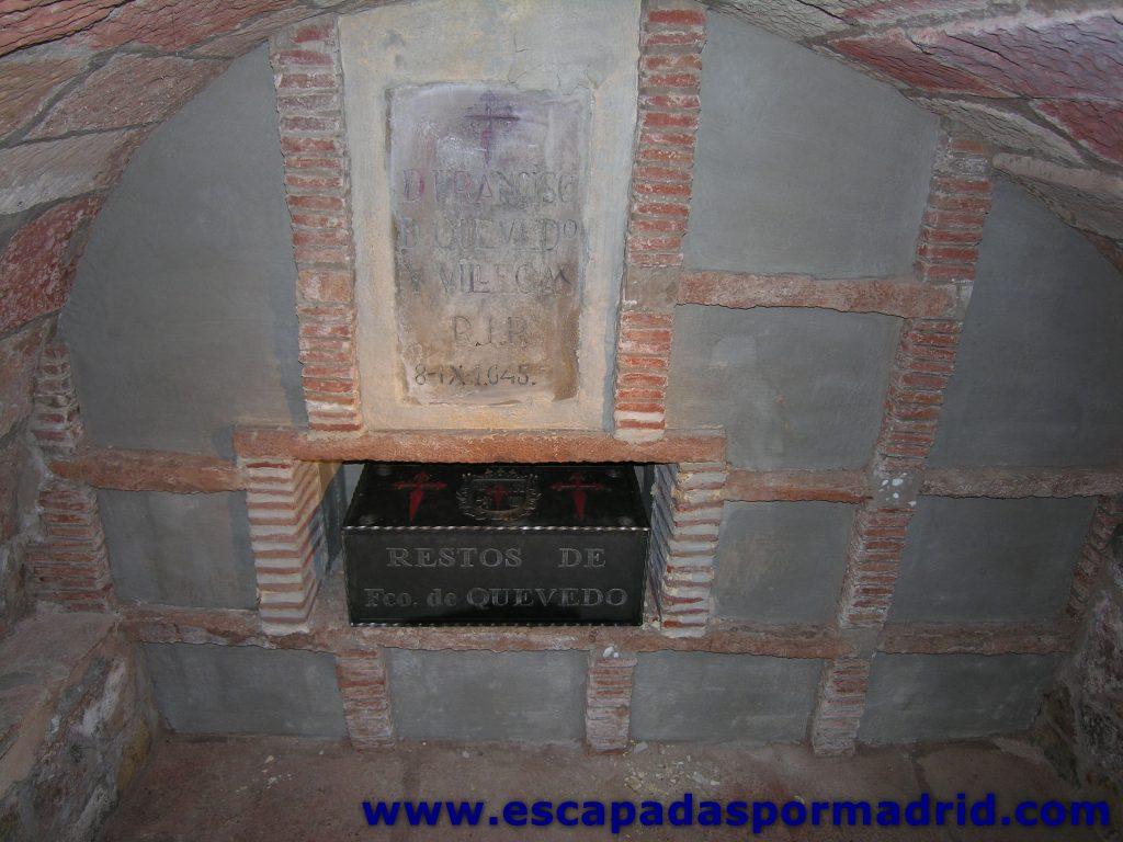 foto de la Tumba de Francisco de Quevedo